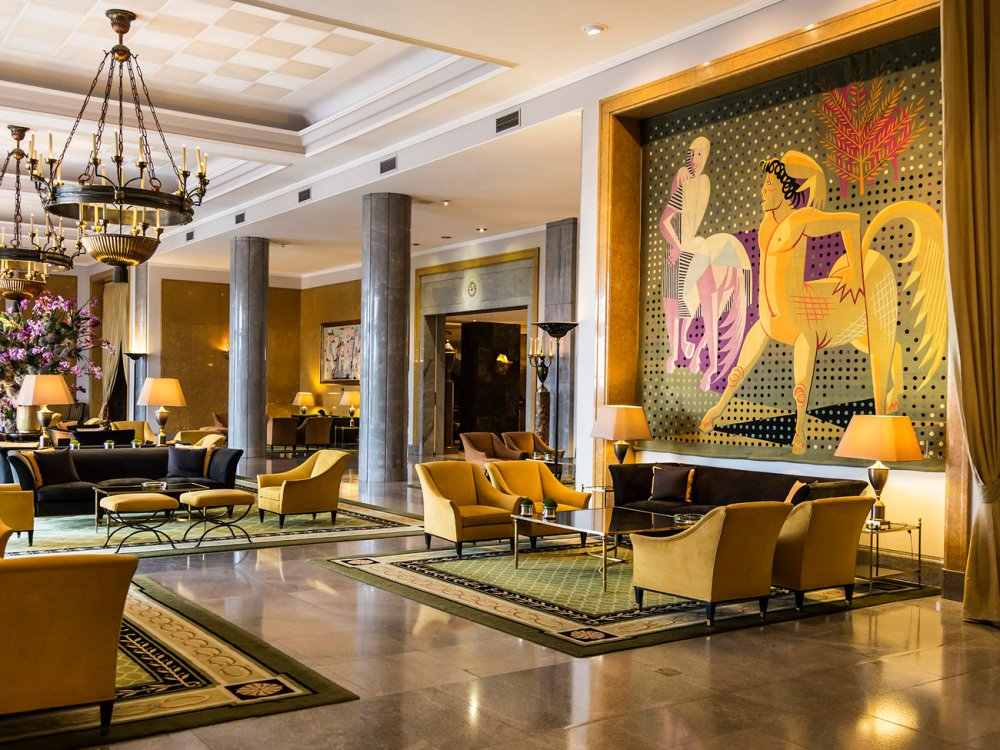 Almada Negreiros Lounge:: Rizt Four Seasons Hotel:: Lisbon:: Portugal